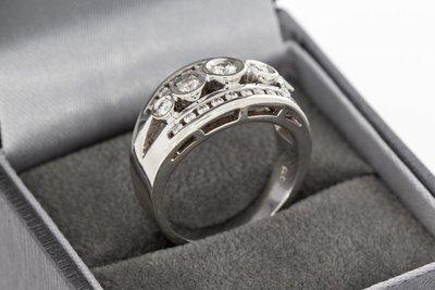 14 Karaat witgouden Bandring gezet met Diamant - 0.69 crt