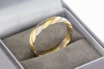 18 Karaat tricolor gouden getordeerde Fantasie ring
