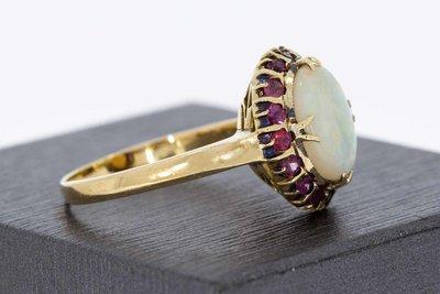 14 Karaat geel gouden ring gezet met Opaal en Robijn