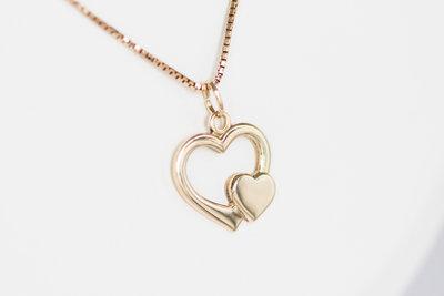 """14 K gouden Venetiaanse ketting met """"hartjes hanger"""""""
