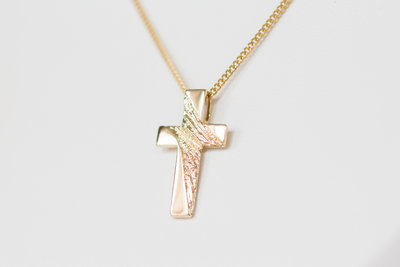 14 karaat geelgouden kruis - kettinghanger VERKOCHT