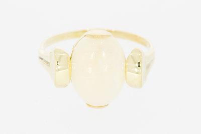 14 karaat geel gouden ring gezet met Opaal