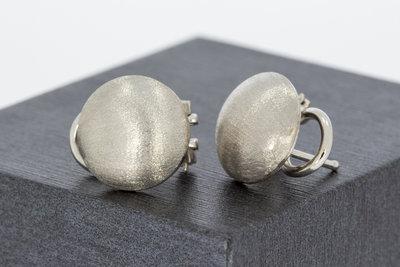 18 karaat wit gouden bewerkte oorclips