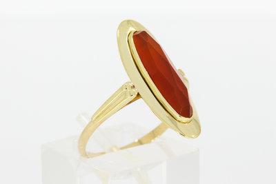 14 karaat geel gouden ring met cabochon geslepen Carneool