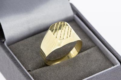 14 Karaat gouden Statement ring met bewerkt zegelbed