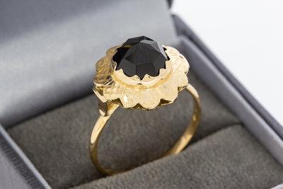 14 karaat geel gouden ring gezet met Granaat