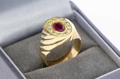 18 Karaat geelgouden (Pink) Ring met Robijn en Diamant