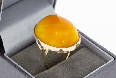 14 Karaat gouden vintage ring gezet met Barnsteen- 17 mm