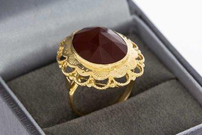 14 karaat gouden vintage ring gezet met Carneool - 16,7 mm