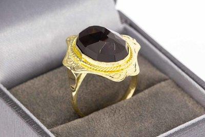 14 Karaat gouden Retro ring met Granaat - 18,1 mm