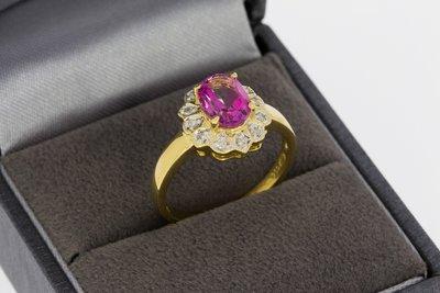 18 karaat geelgouden ring gezet met Topaas & Diamant