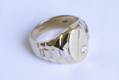 """14 Karaat brede geel gouden Statement ring met """"ribben"""""""