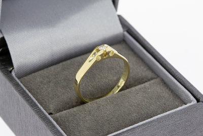 14 Karaat geel gouden solitaire Pinkring gezet met Diamant
