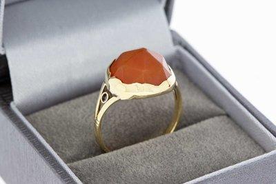 14 Karaat gouden Vintage ring gezet met Carneool (17,9 mm)