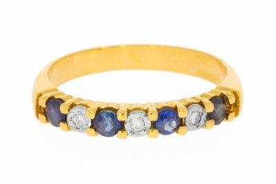 18 Karaat geelgouden Rijring gezet met Saffier & Diamant