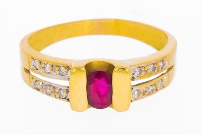 18 karaat geel gouden ring gezet met Robijn & Diamant