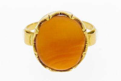 14 karaat gouden Ring gezet met cabochon geslepen Carneool
