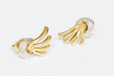 14 Karaat bicolor gouden oorstekers gezet met Diamant