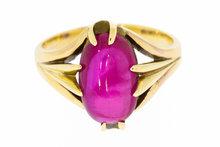 14K-Gouden-Ring-gezet-met-ovalen-robijn