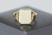 14-K-geelgouden-achthoekige-zegelring--Verkocht-