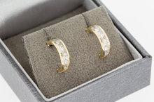 14 K gouden creolen gezet met Zirkonia