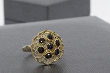 14 karaat geelgouden Markies ring gezet met Granaat