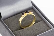 14 karaat gouden ring gezet met granaten